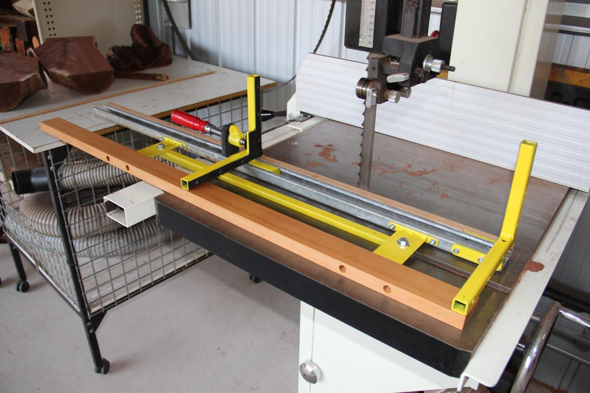 how to adjust a jet band saw to cut straight